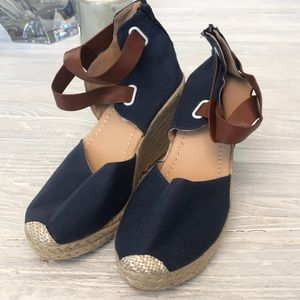 Navy blue really cool wedge shoes! Brand new💕